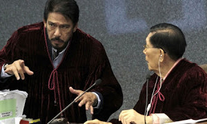Sotto, Enrile to craft a bill protecting bloggers